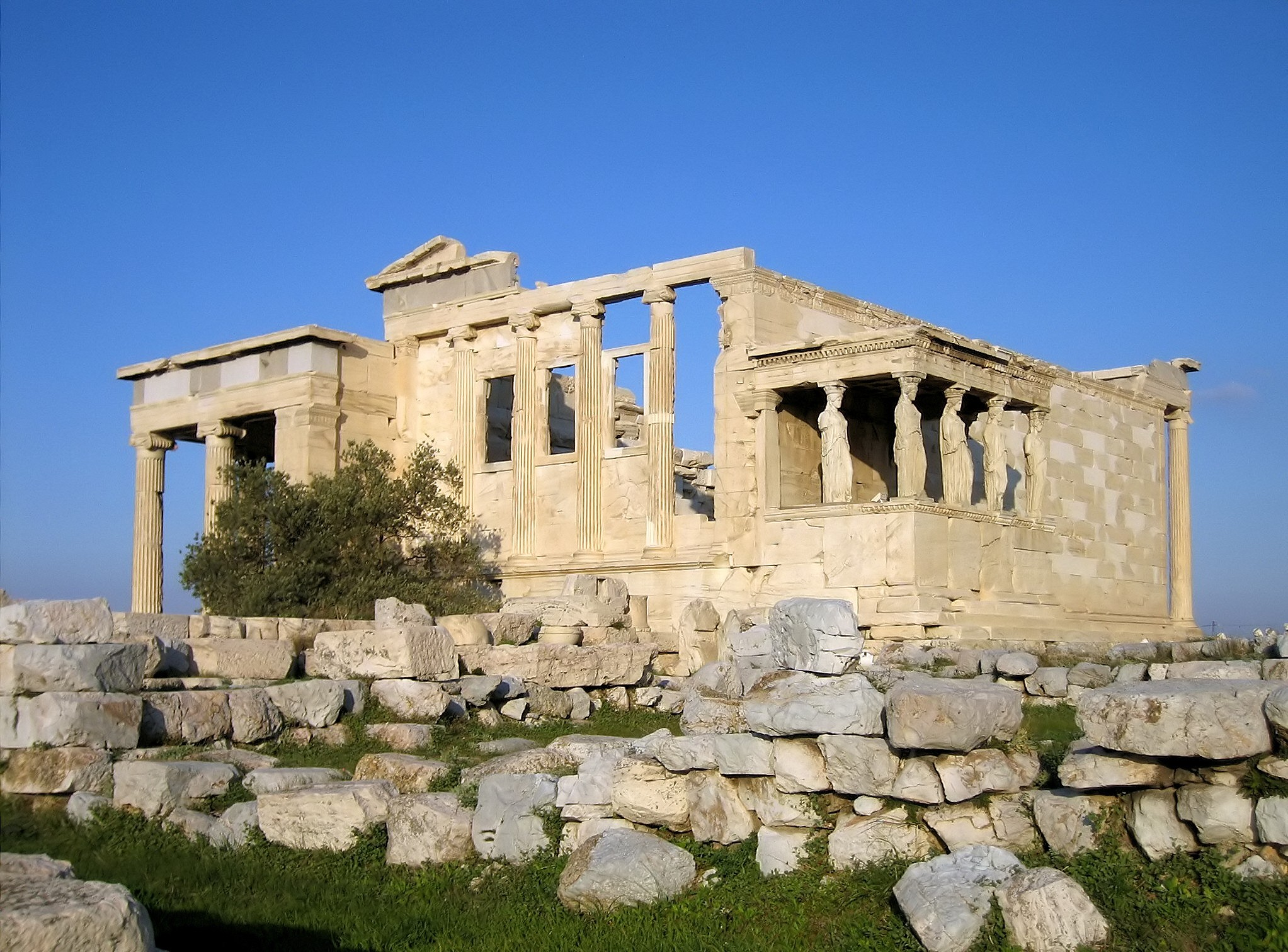 Erchtheum from western north