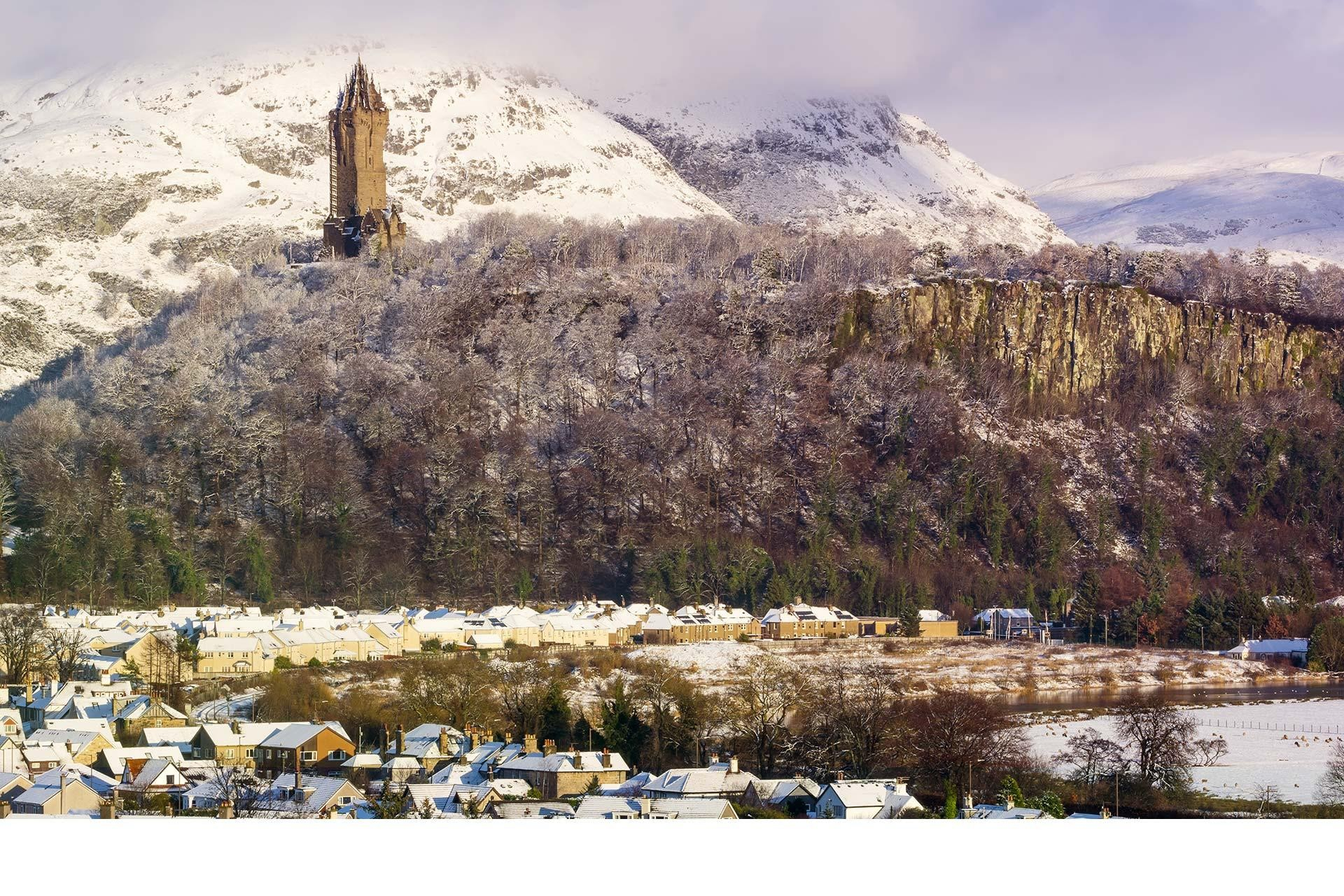 national wallace monument winter