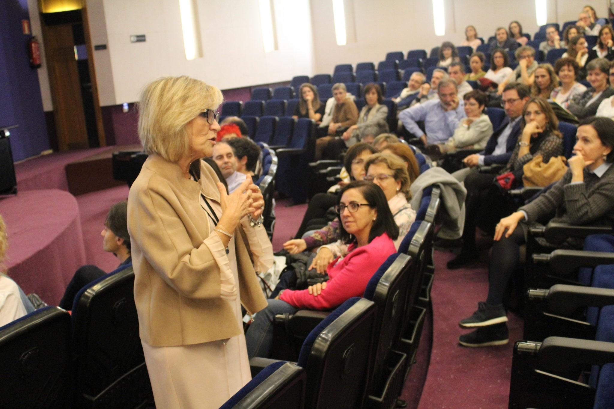 La Dra Ver³nica Casado reconocida o la mejor médica de familia del mundo en el Colegio de Médicos de Navarra