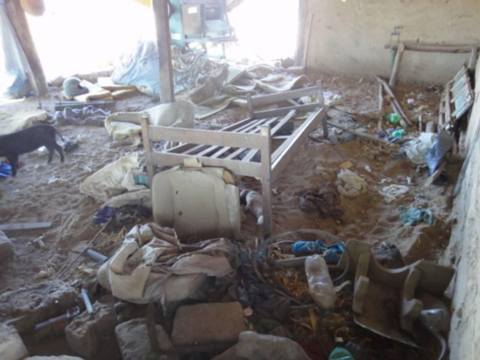 """Casa de agricultores destruda por jagun§os em 2010 Foto Divulga§£o """""""