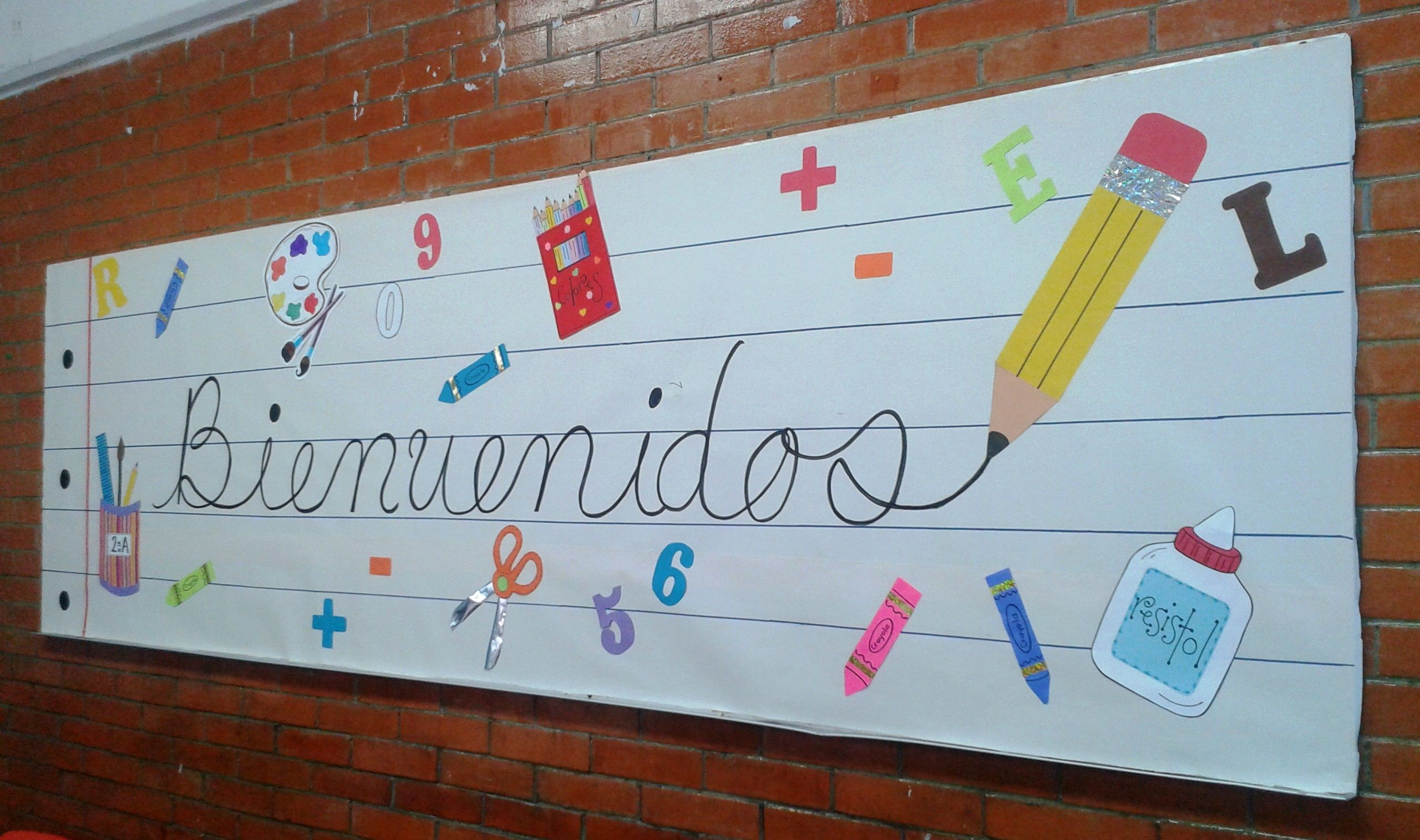 Periodico mural regreso a clases Toddler Class Classroom Design Classroom Decor First Day