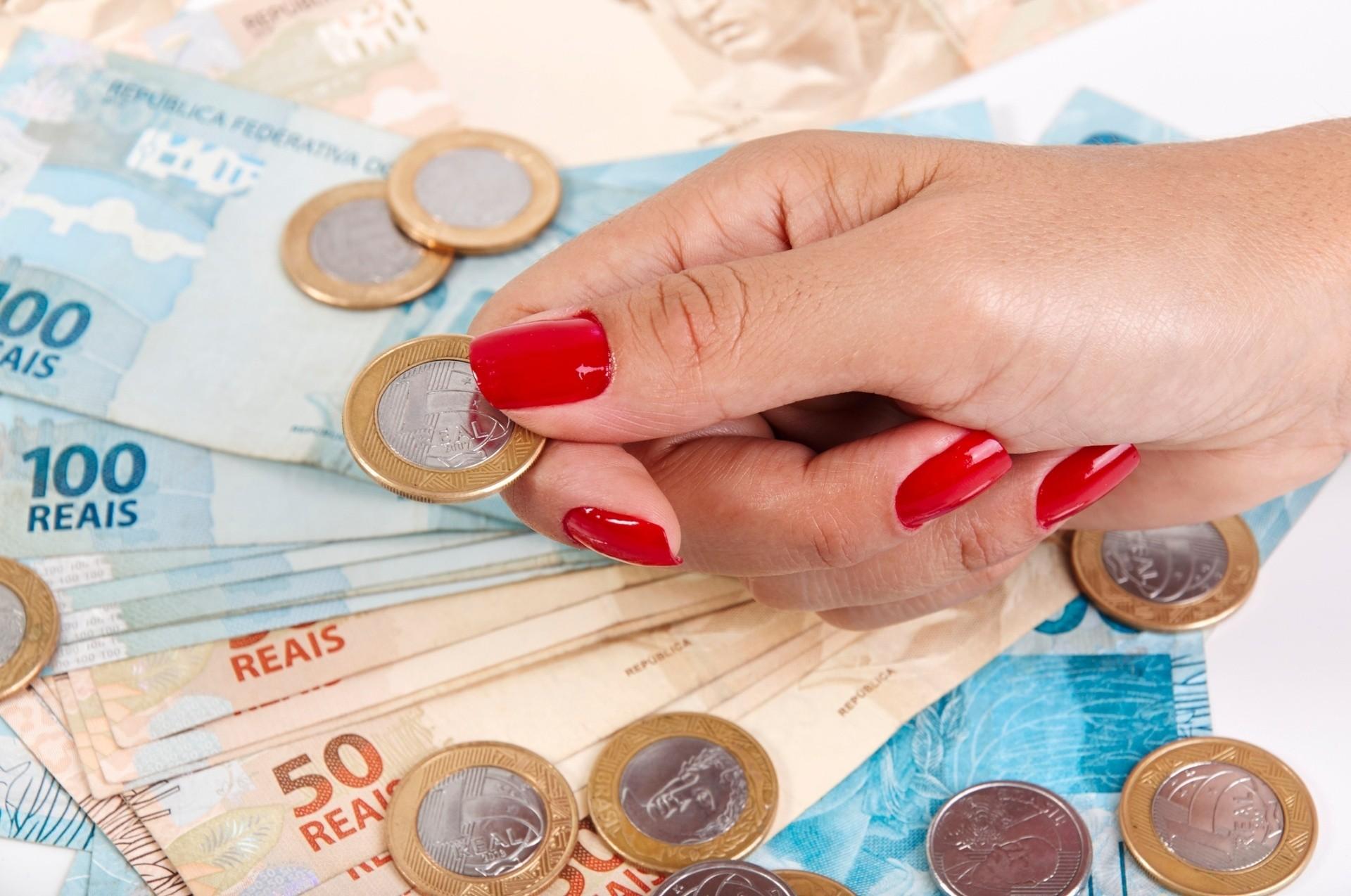 Governo prorroga prazo para sacar R$ 937 de PIS 29 06 2017 UOL Economia