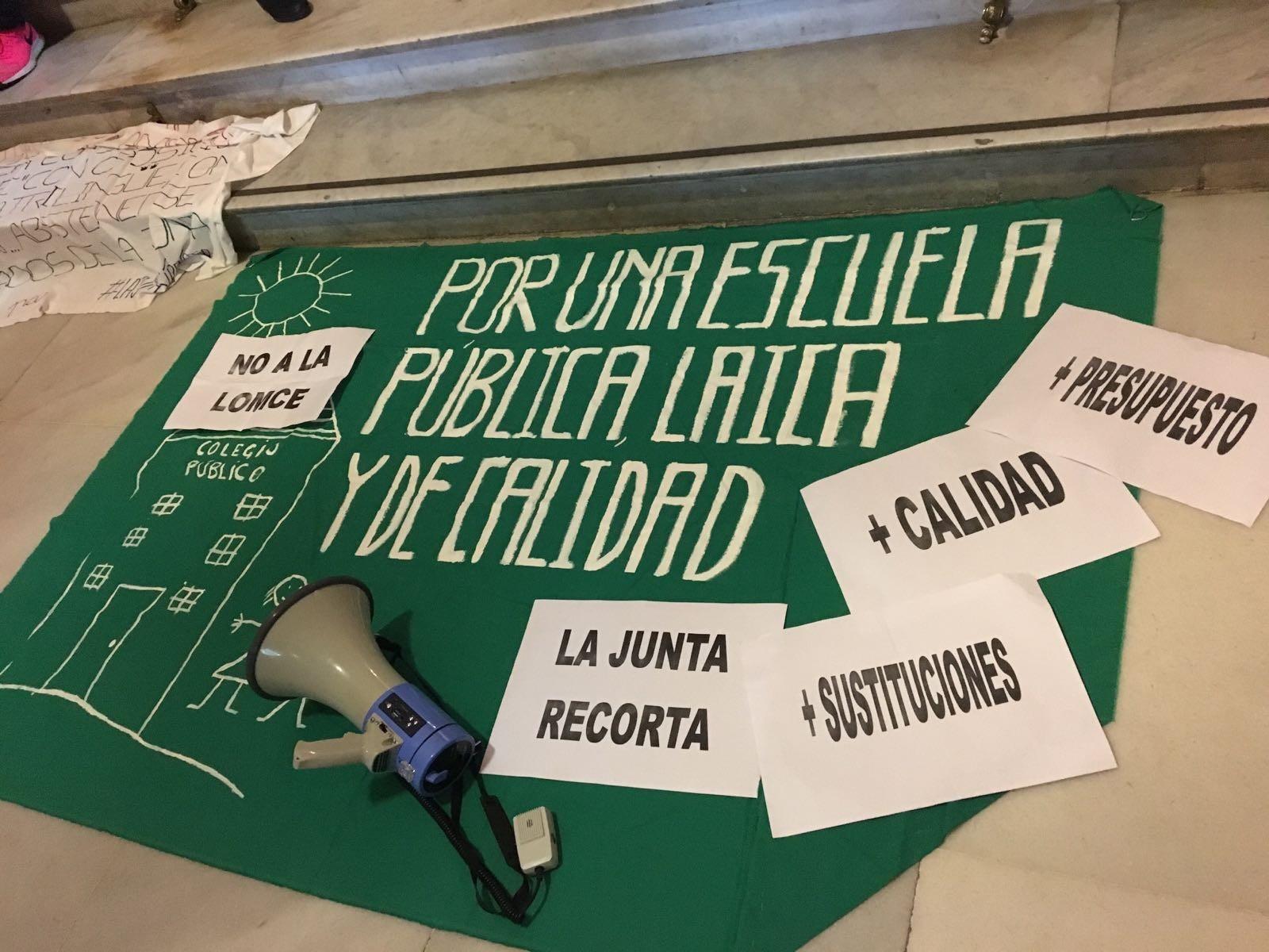 unicado de USTEA tras la anulaci³n del Tribunal Constitucional de la jornada de 35 horas en Andaluca
