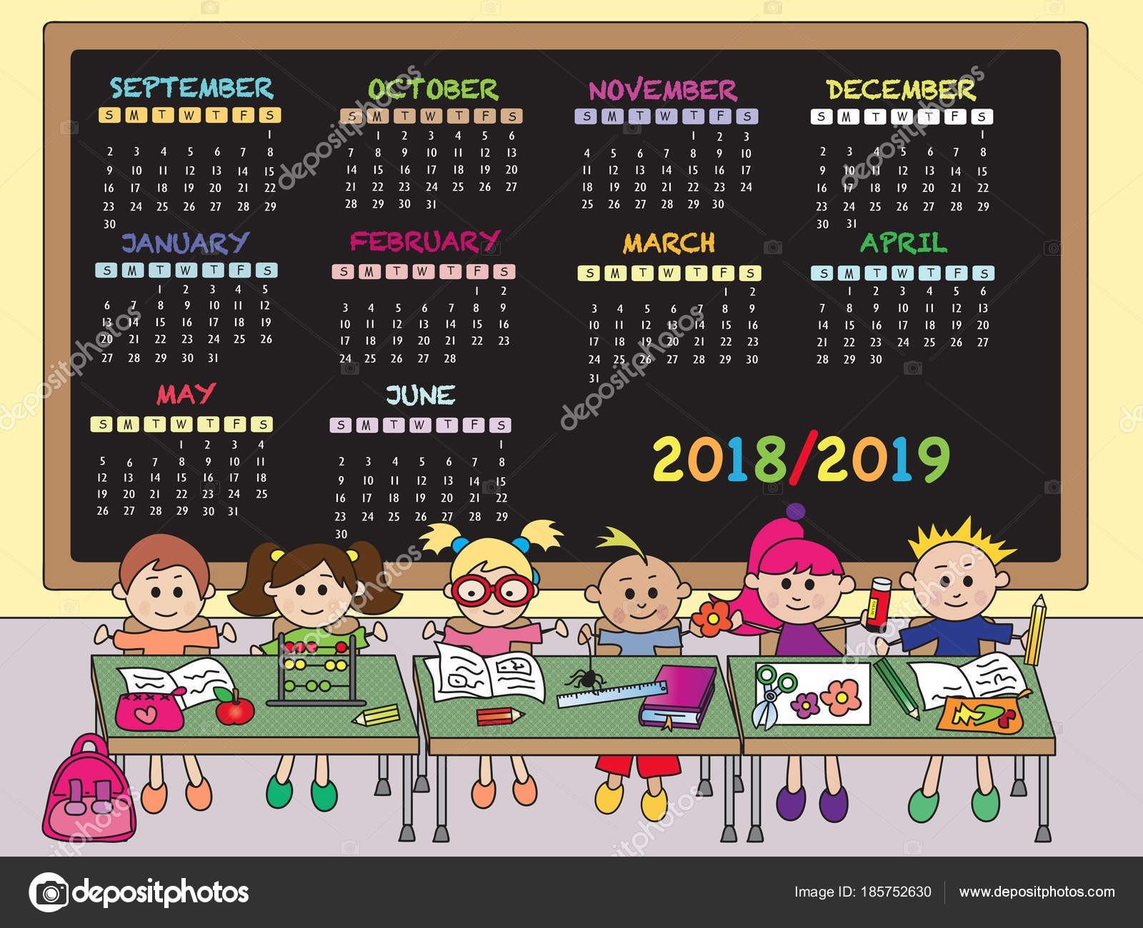 Kalendarz szkolny 2018 2019 z szczęśliwe dzieci — Zdjęcie od casaltamoiola