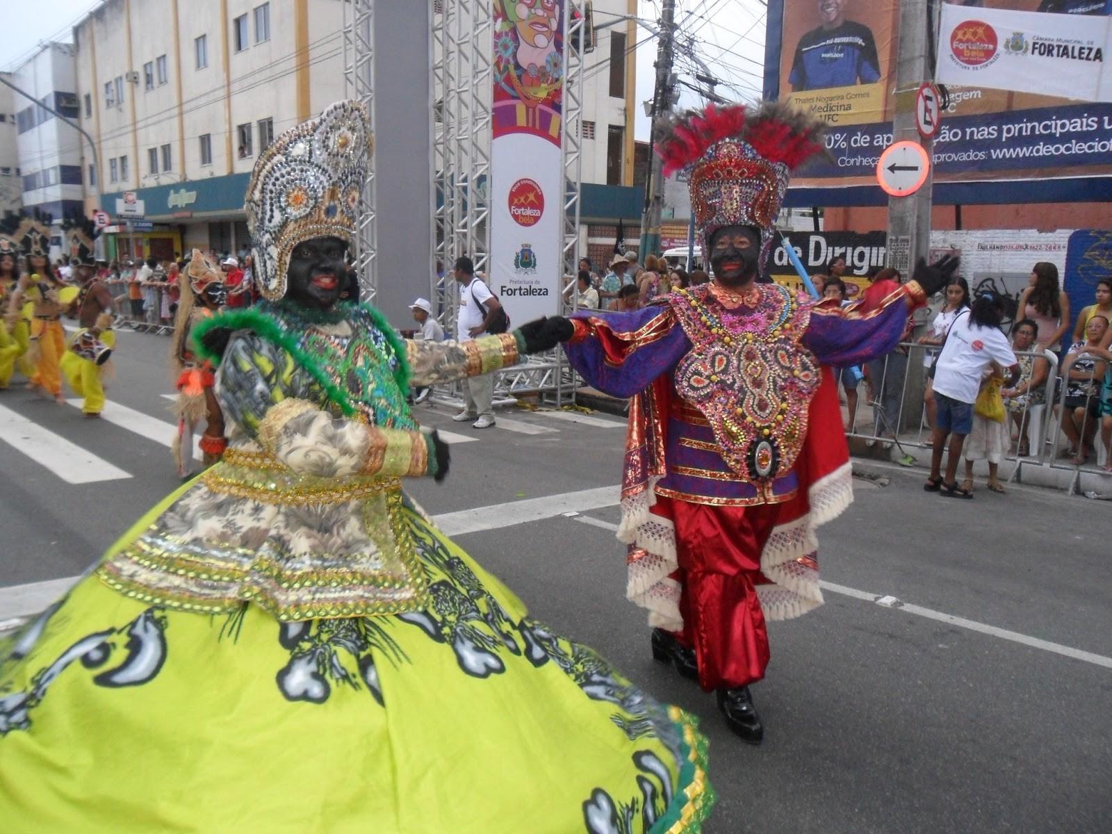 O carnavalesco Isidoro dos Santos referªncia do carnaval cearense que será homenageada no Carnaval de Rua de Fortlaeza este ano desfilou em 2012 no Maracatu