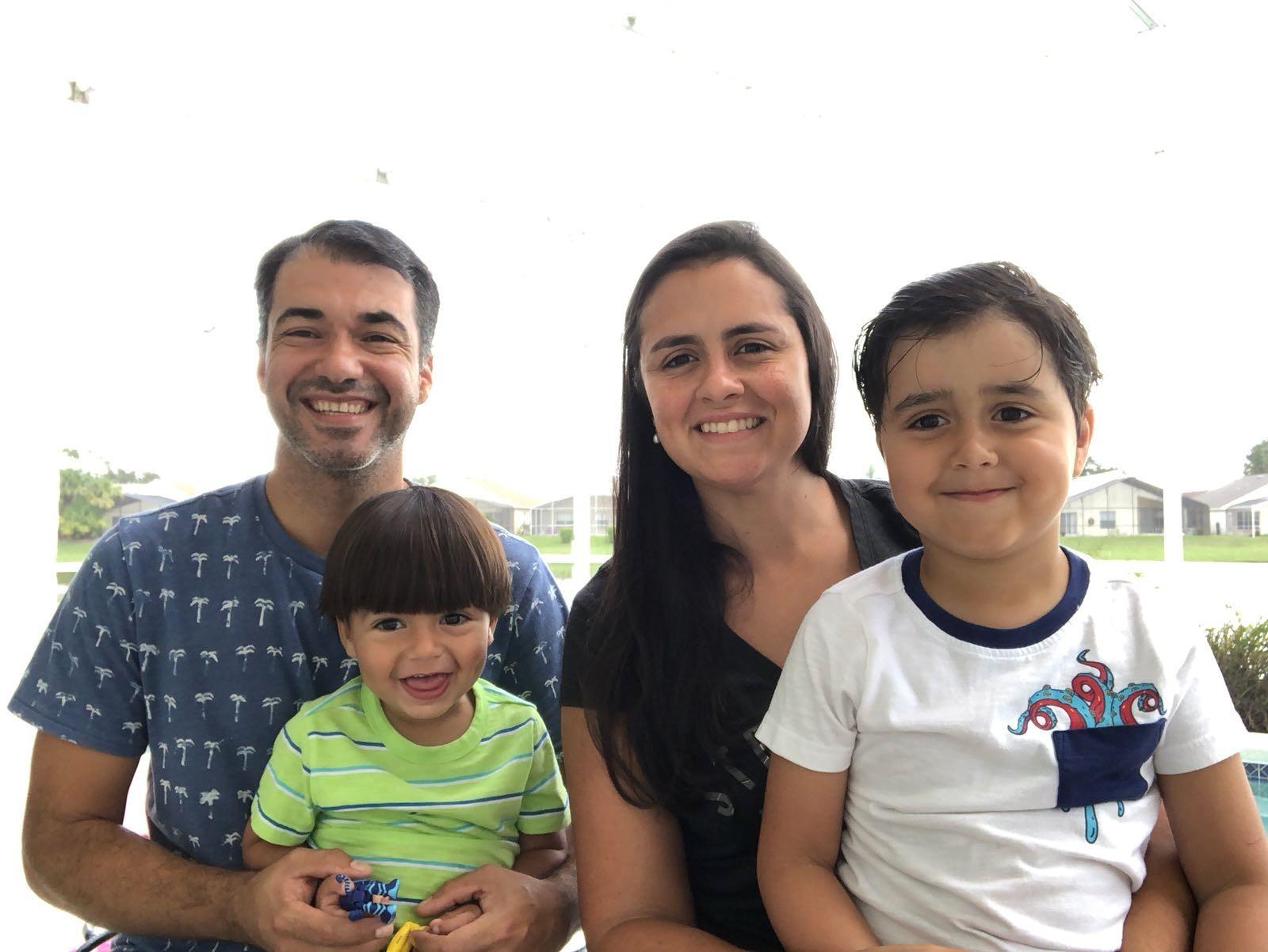 Carioca que mora na Carolina do Sul e está na Fl³rida dividindo casa outras 3 famlias elogia organiza§£o americana que facilita a sada da regi£o