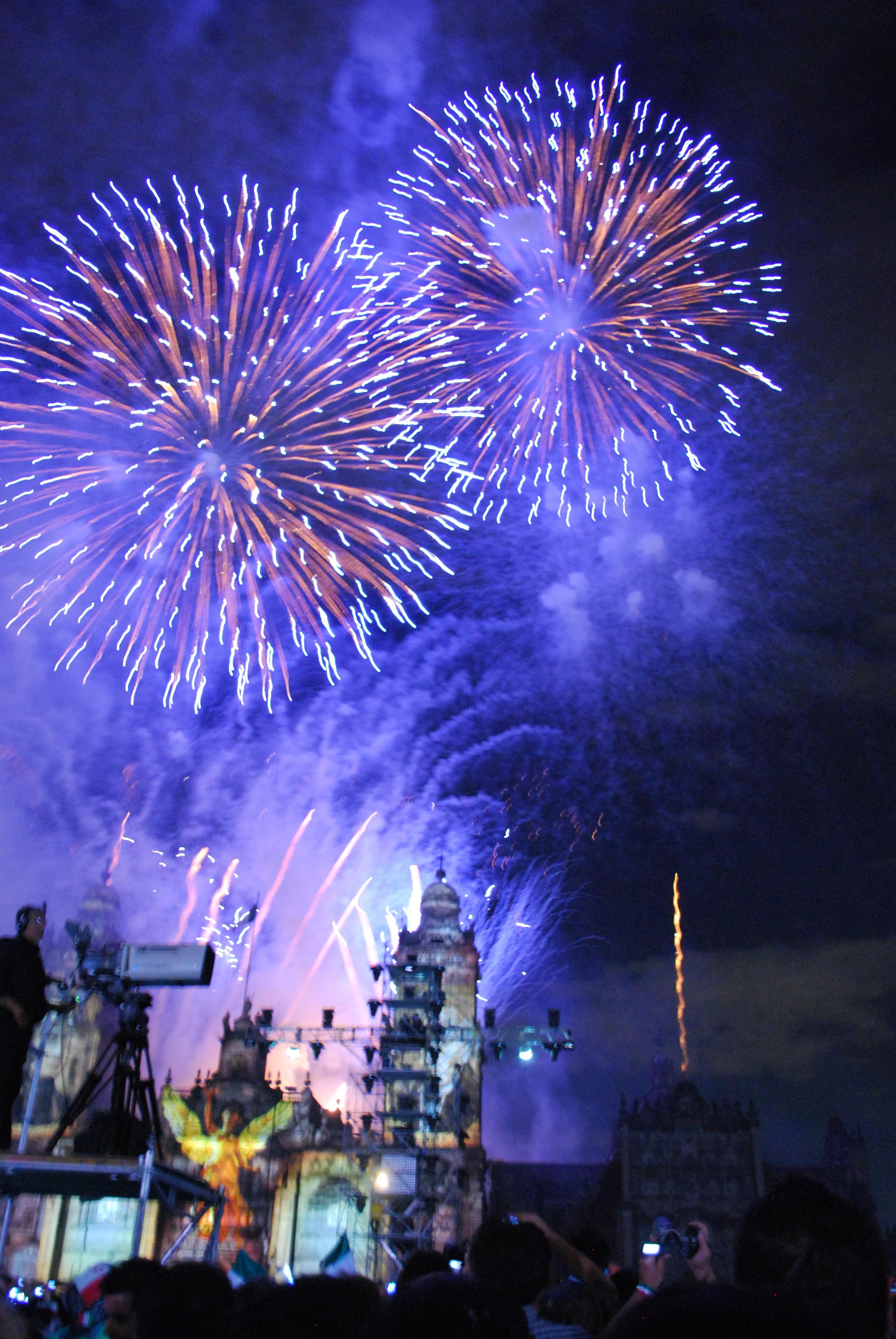FireworksGrito2010Zocalo02 JPG