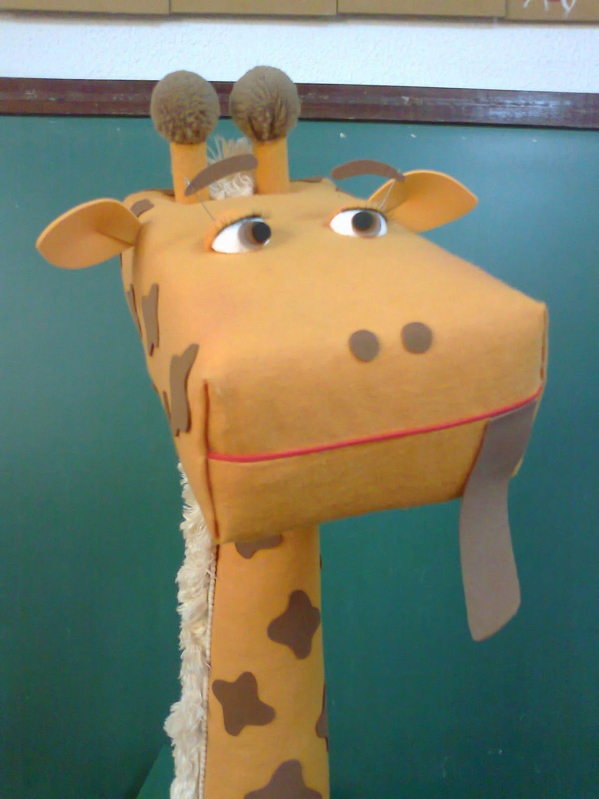 Uma ³tima ideia que serve o caixa de leitura A girafa poderá visitar as salas
