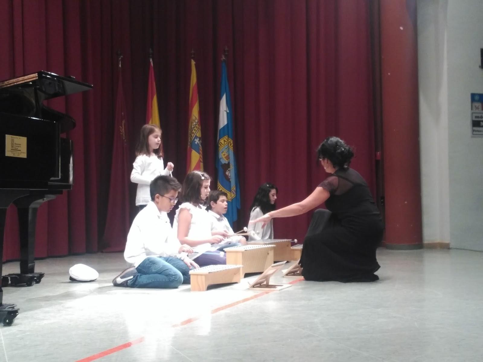 En la ma±ana del da 12 de Mayo a las 12 00 horas tuvo lugar el 11º Encuentro de Coros Escolares de la provincia de Teruel En este encuentro que fue