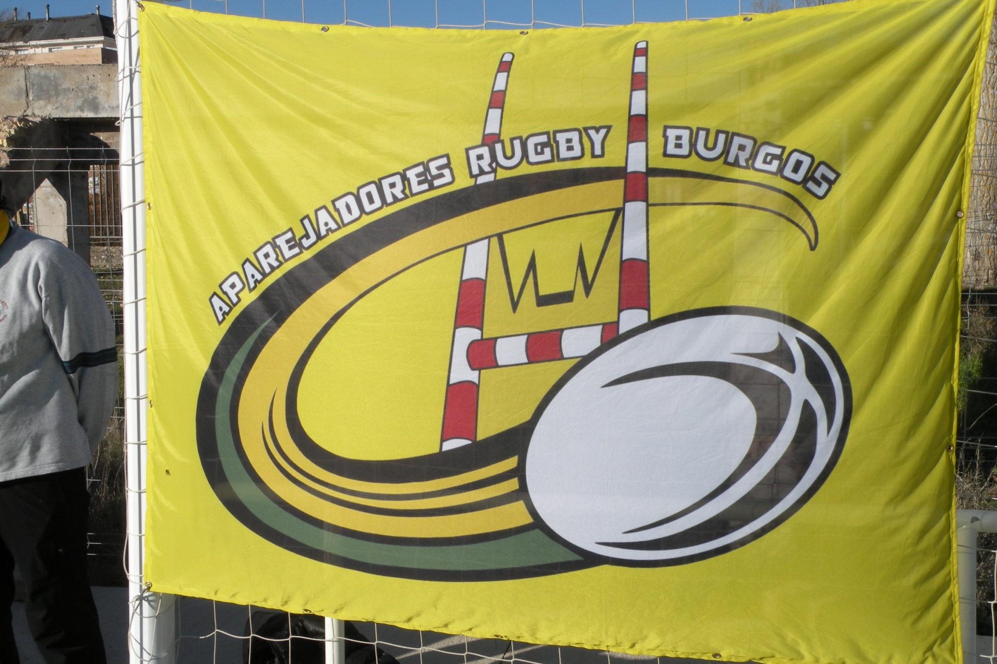 Bandera del Aparejadores Rugby Burgos Foto Fernando Miguel