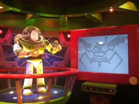 Calendario Abril 2019 Images Cartoon Más Caliente Buzz Lightyear Laser Blast En Disneyland Paris Park Opiniones E