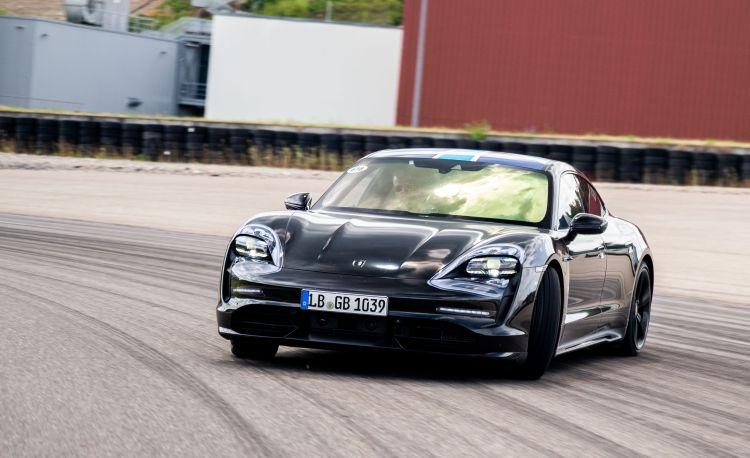 Calendario 2021 Motogp Mejores Y Más Novedosos Prueba Porsche Taycan Fiel A Sus Races