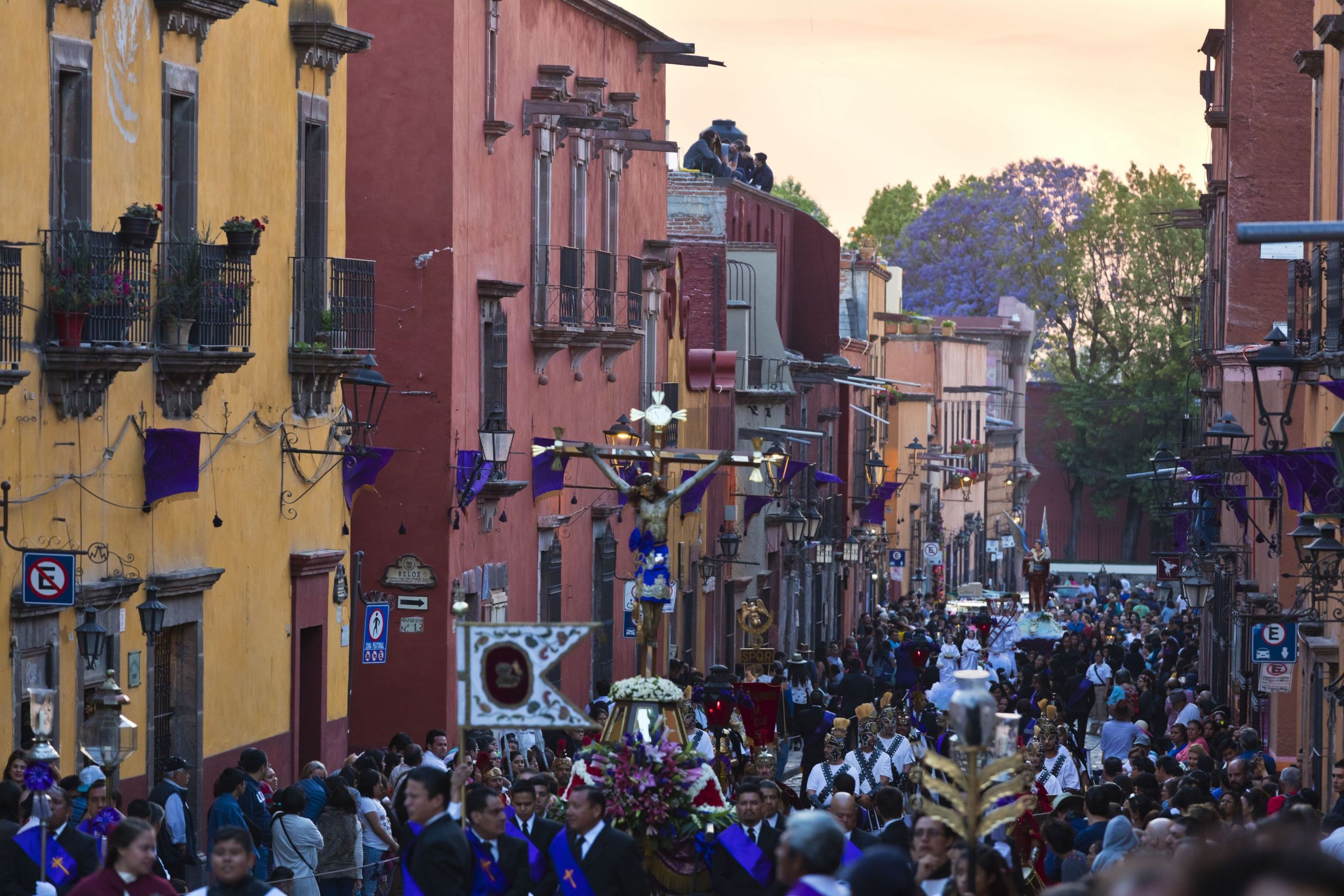 a statue of jesus on the cross is carried in the good friday procession known as the santo entierro from the oratorio church san miguel de allende mexico 5c2239c546e0fb d9d5