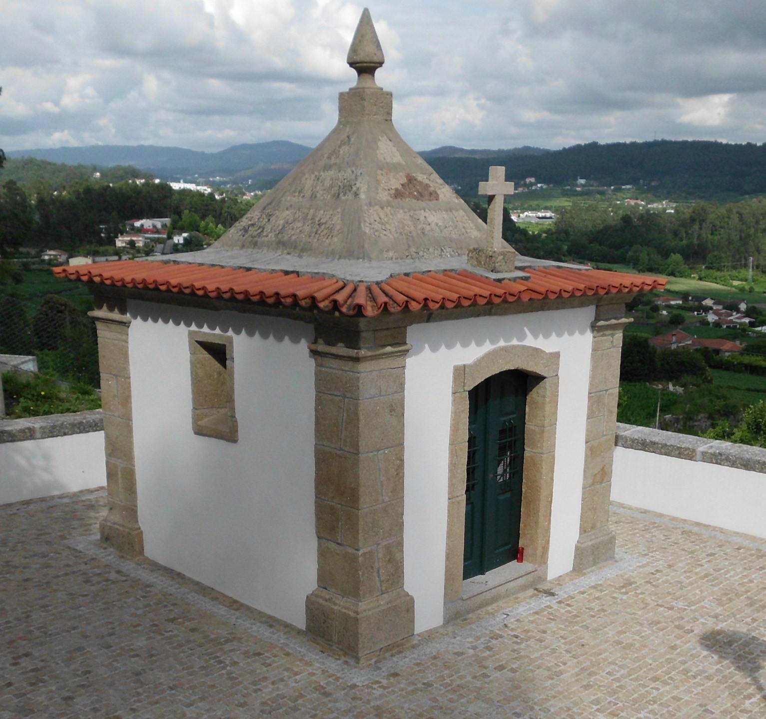 Apesar de ainda n£o estarem concludas as obras já merece ser visitado o renovado Calvário do Bom Jesus de Cambeses
